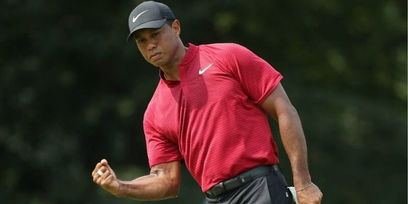 Gaming Club Casino: Tiger Woods celebrating